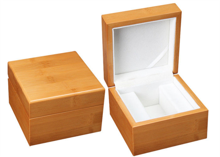 Single Solid Wooden Watch Box Handmade Recyclable High - Grade For Gift Packaing